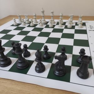 Jogo de Xadrez Escolar e tabuleiro